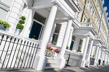 Expats excluded from UK property market